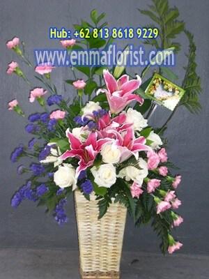 Rangkaian Bunga Meja Termurah