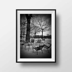 Tirage Photo Paris – Chaises Jardin des Tuileries Art Noir et Blanc