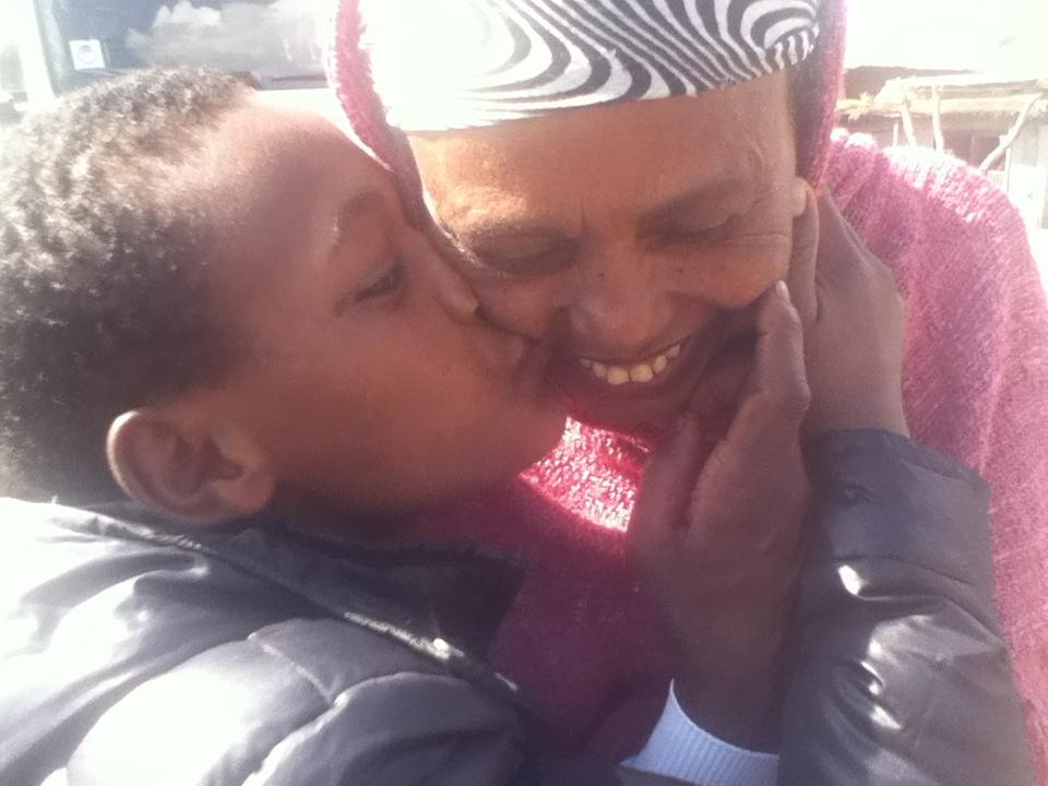 Il bacio di Yonas