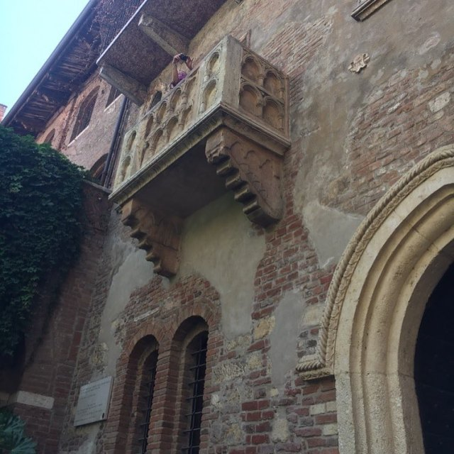 Who wouldnt be inspired by Juliets balcony! amwriting tourofitaly2017 verona