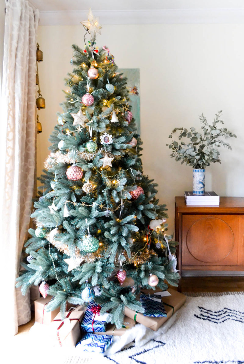 Simple Christmas Decorating: Pink Gold Mint Christmas Tree with Presents