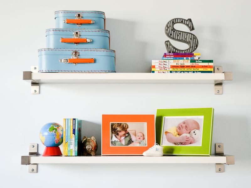 Shelf styling in toddler bedroom