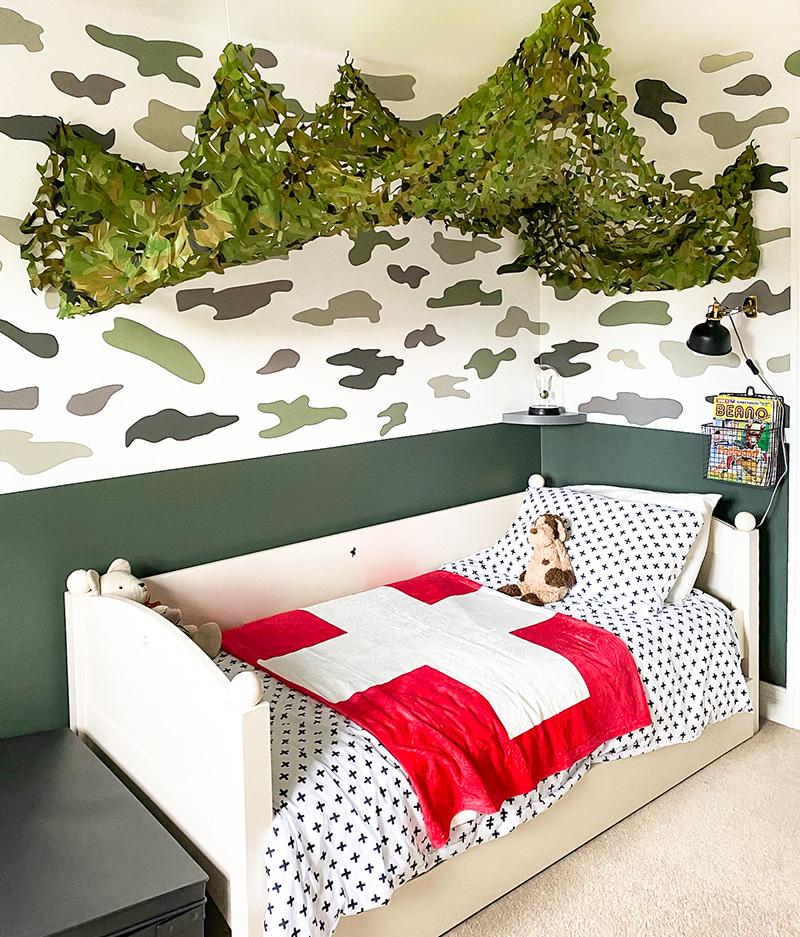 Military theme kids bedroom design