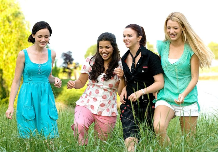 sex-love-life-2014-11-friends-all-girls-need-main