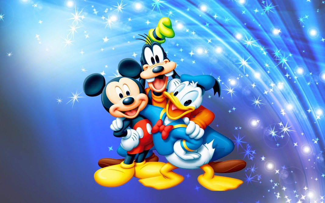 Mickey-Mouse-Donald-Duck-And-Pluto-Desktop-Wallpaper-full-screen-2880x1800