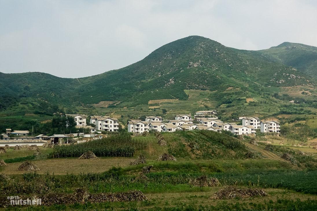 53-north-korean-countryside-housing