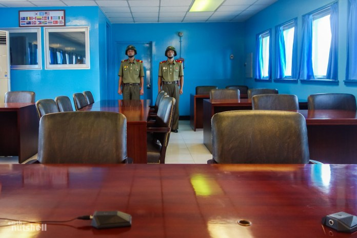 87-dmz-conference-room-soldiers