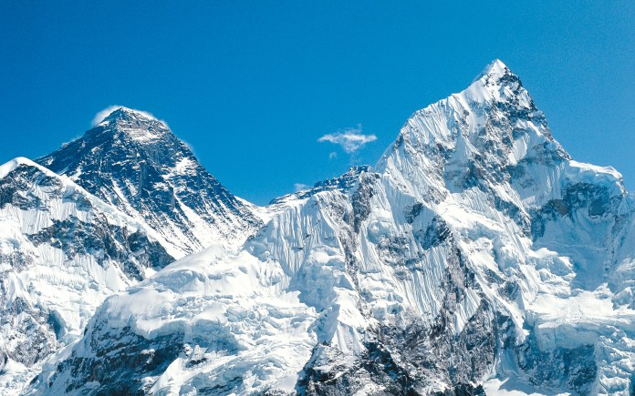 Mount-Everest-PEEKVIDEO0616