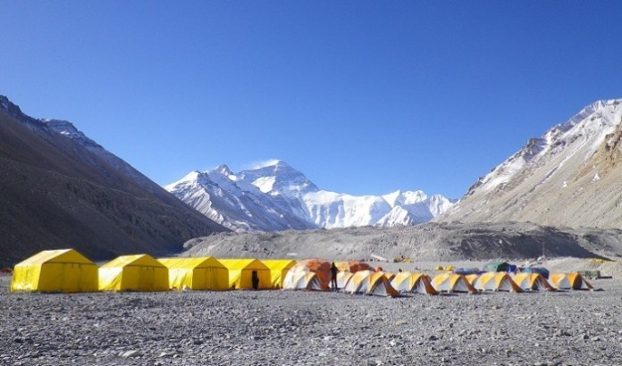everest-advanced-base-camp-trek-147980648756