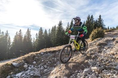 Sportfotografie Downhill Schöckl Trail Area - emotioninpictures / Mario Bühner