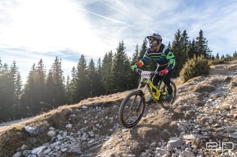 Sportfotografie Downhill Schöckl Trail Area - emotioninpictures / Mario Bühner / Fotograf aus Graz
