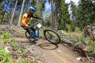 Sportfotografie Downhill David Trummer Schöckl Trail Area - emotioninpictures / Mario Bühner