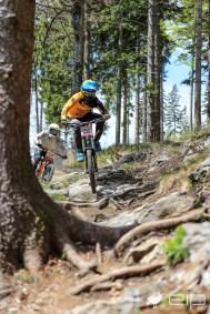 Sportfotografie Downhill David Trummer Schöckl Trail Area - emotioninpictures / Mario Bühner / Fotograf aus Graz