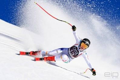 Sportfotografie Abfahrt Ski Weltcup Sofia Goggia Crans Montana - emotioninpictures / Mario Bühner