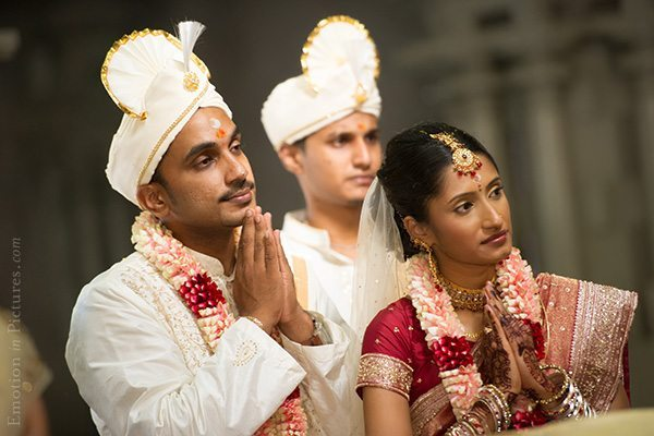 hindu-indian-wedding-bride-prayer
