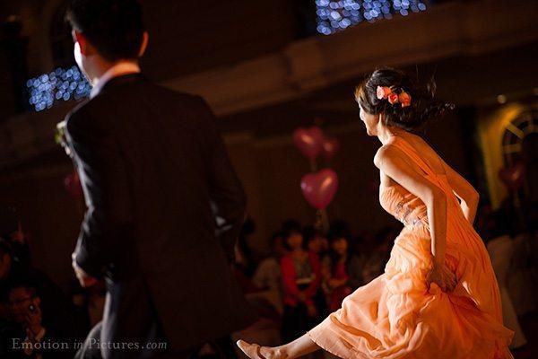 wedding-reception-kuala-lumpur-dance-performance-renaissance-hotel