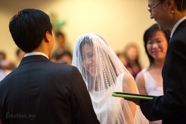 christian-wedding-malaysia-first-baptist-church-exchange-vows