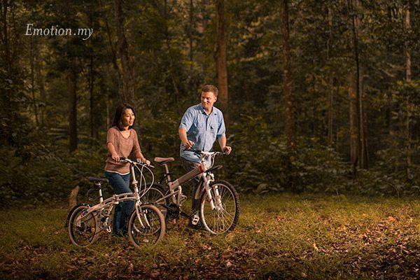 prewedding-portraits-kuala-lumpur-malaysia-bicycles-park