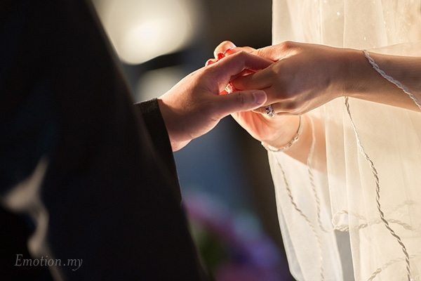 kuala-lumpur-church-wedding-rings