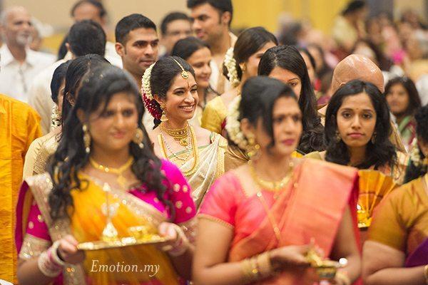 kerala-malayalee-wedding-bride-procession-malaysia