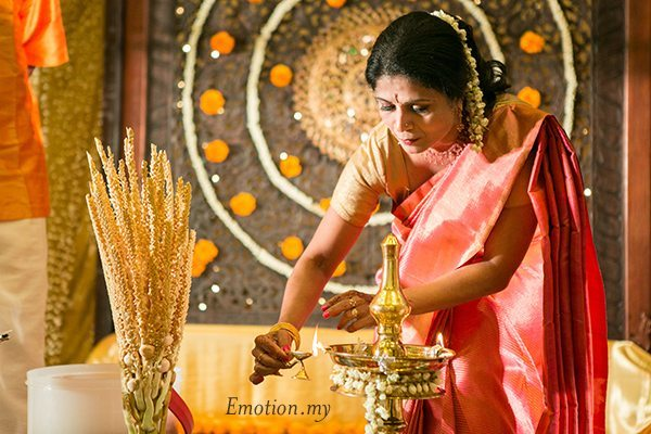 kerala-malayalee-wedding-ceremony-light-candle-malaysia