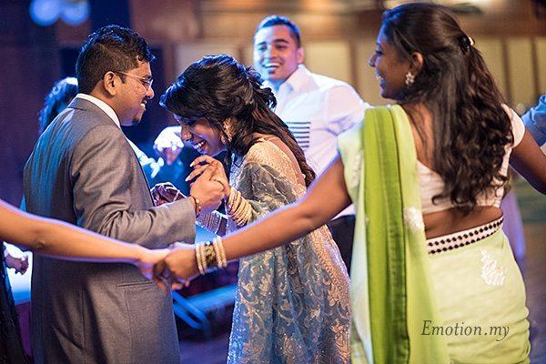 indian-wedding-reception-dancing