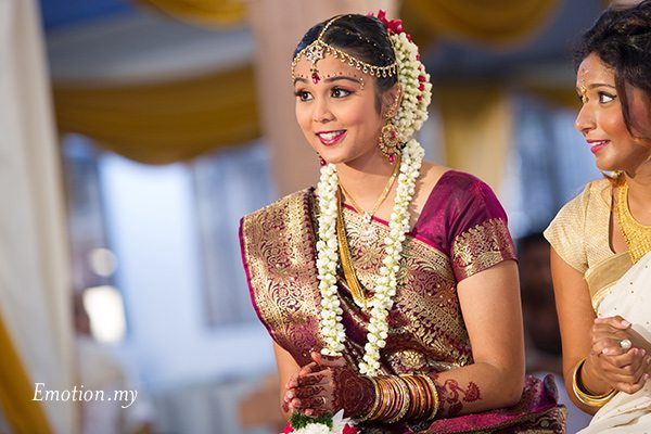 hindu-wedding-sri-sakthi-easwary-kuala-lumpur-bride-ceremony-vimal-vimala