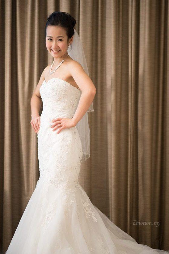 christian-wedding-ceremony-bride-portrait-shin-wei-chwee-ling