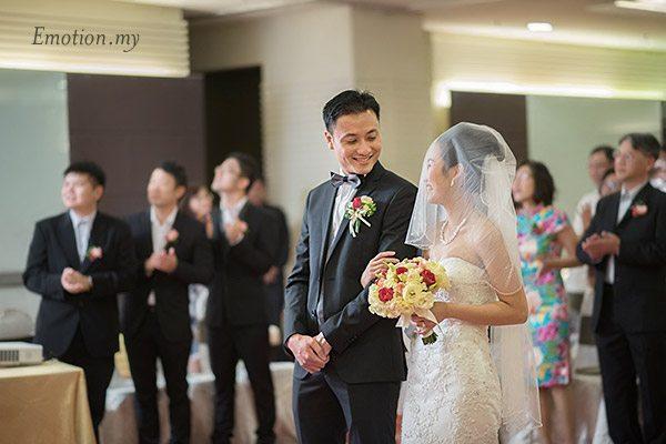 christian-wedding-ceremony-groom-bride-malaysia-shin-wei-chwee-ling