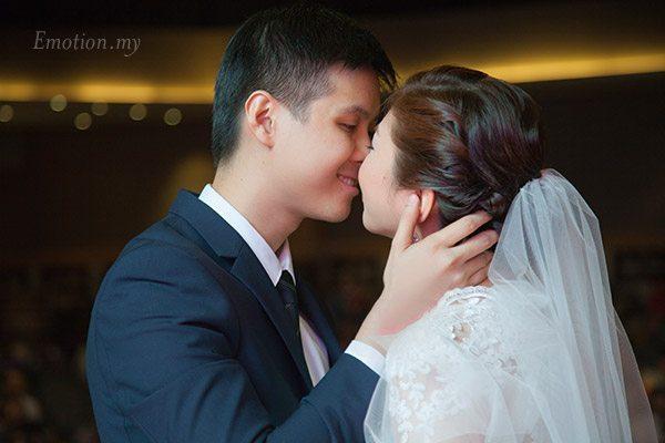 christian-wedding-luther-centre-kiss-lenjin-melissa