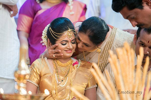 malayali-wedding-ceremony-in-law-sanjeev-reshmi