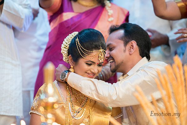 malayali-wedding-ceremony-thali-sanjeev-reshmi