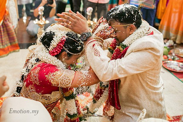 telugu-indian-wedding-ceremony-rice-srinivas-priya