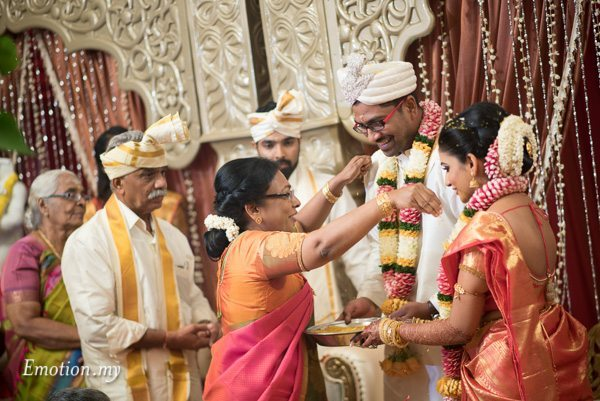bride-parents-ceylonese-wedding-kuala-lumpur-malaysia