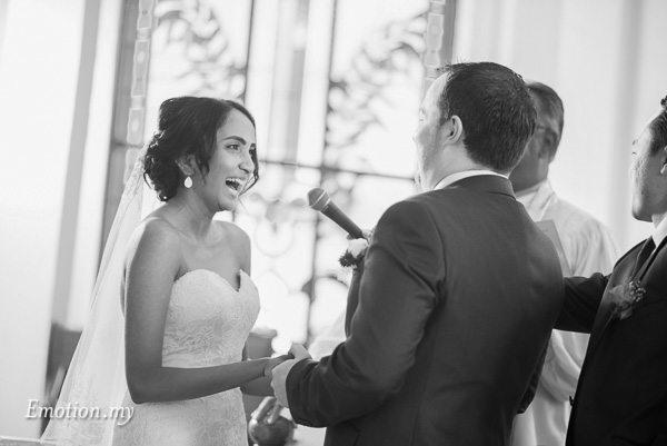 christian-wedding-ceremony-bride-laughs-zion-lutheran-kuala-lumpur-malaysia-paul-joanna