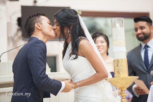 church-wedding-kuala-lumpur-kiss-teamtwo-raymond-darshini