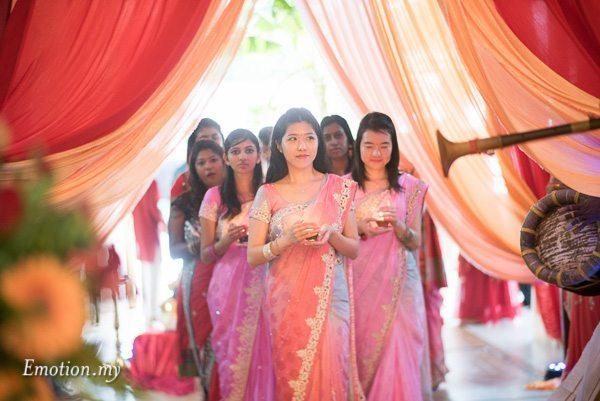 hindu-wedding-ceremony-bridesmaid-procession-malaysia-raymond-darshini