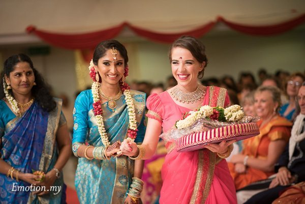 tamil-hindu-wedding-bride-bridesmaid-malaysia-dave-jeeno