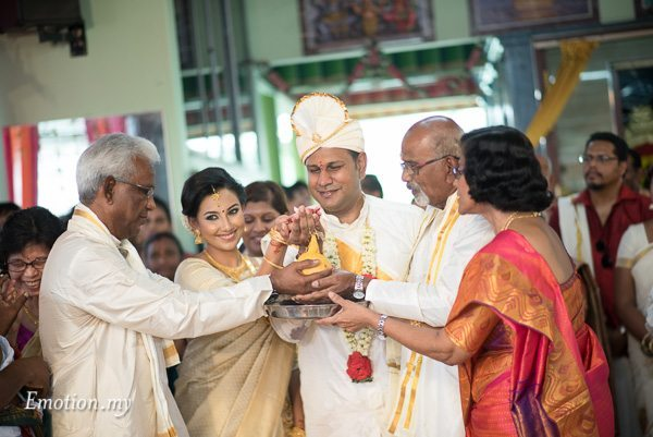 malayali-wedding-ceremony-mahend-preena-emotion-in-pictures-andy-lim