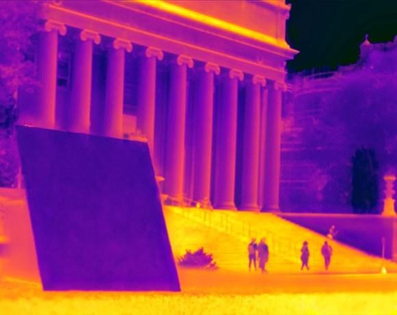 Panel s chladivým matemateriálm na snímku IR kamery