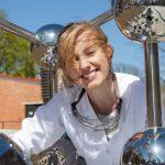 Olga Malinkiewiczová Perovskitové články společnosti Saule Technologies mají vynikat průhledností a flexibilitouc (kredit Saule Technologies)