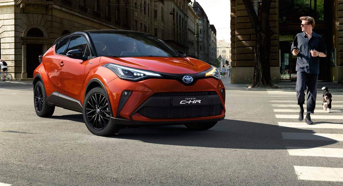 Hybridní model crossoveru C-HR firmy Toyota (foto Toyota)