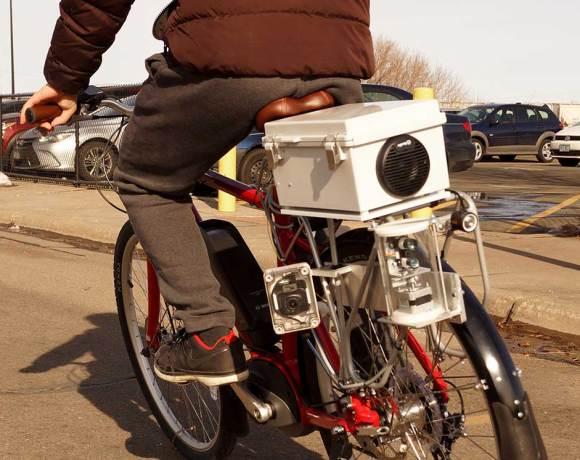 """Prototyp """"varovného systému"""" pro cyklisty (foto University of Minnesota)"""