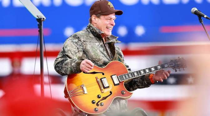 "Ted Nugent declares Donald Trump ""the greatest president of our lifetime"", performs the US national anthem at rally"