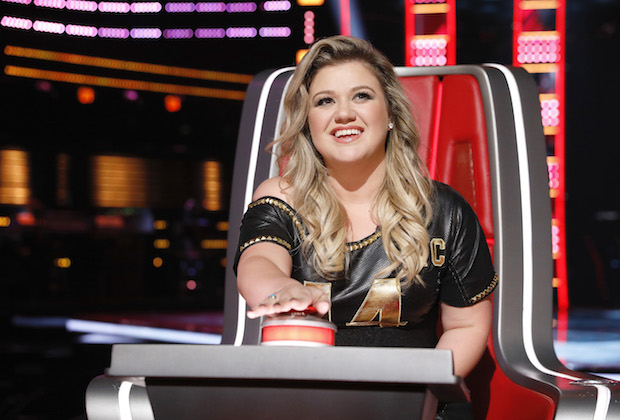 The Voice Block Button Kelly Clarkson