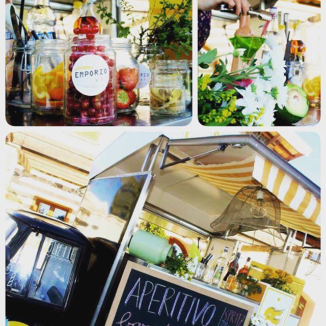 Per un aperitivo  fuori dagli schemi...per colpire i vostri ospiti con dei fantastici cocktail al barattolo...la nostra bar lady vi stupirà con i suoi strepitosi drink!!!Emporio Streetlovers...scoprite tutti i nostri travestimenti!!!! #emporio #emporioconceptstore #streetlovers #ape #foodtruck #cocktail #drink #aperitivo #spritz #mojito #cosmopolitan #life #eventi www.emporiobrand.it@vecchiofil @fetraider @martinaemporio @robiolaa @emporioconceptstore