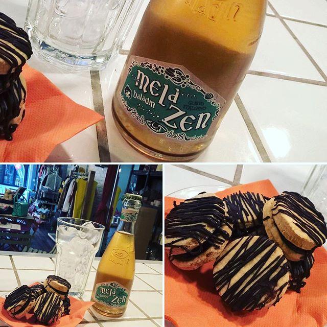 Buon pomeriggio!!!!è l'ora della merenda qui all'Emporio...new entry nella nostra vasta scelta di bibite analcoliche #baladin, un rinfrescante mela e zenzero, da accompagnare ai nostri biscotti senza lattosio, con crema al cacao con latte di soia😎😎Have a Break!!!#emporio #emporiolab #break #senzalattosio #bibitebaladin #biscotti #enjoy #havefun #merendaallemporio #golosità