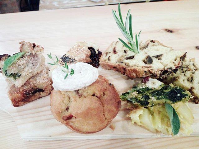 Semplici ingredienti per grandi coseCupcake salati🌶Torte rustiche FrittatinePlumcakeSformato di patate🌶#emporiobrand #lab #food #foodporn #drink #apericena #aperitivo #km0 #handmadewithlove