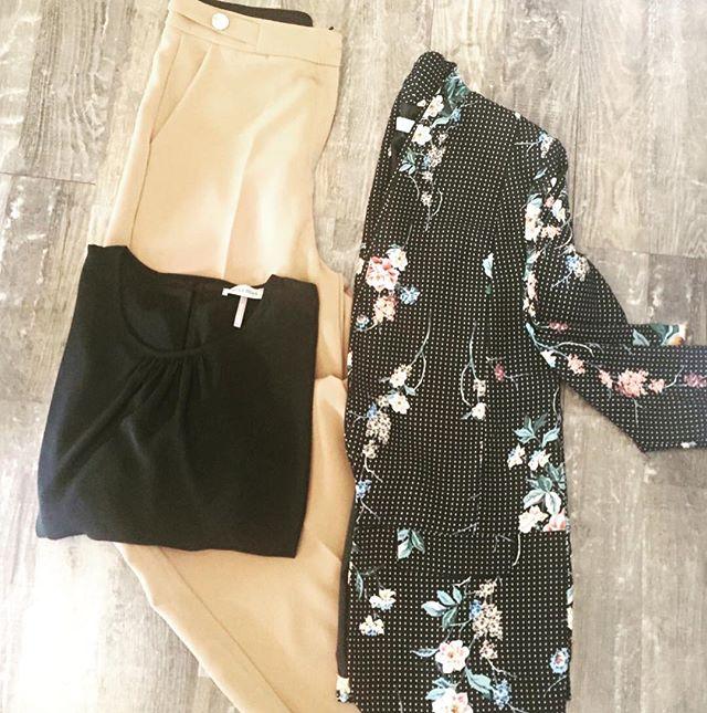 Un total look girls al 50Pantalone a palazzo vita alta color cammello Da 84€ a 42€Maglia nera da 52€ a 26€Giacca pois e fiori da 110€ a 55€...non perdetevi l'occasione...🕸🕸 SOLO OGGI E DOMANI️️#emporiobrand #outfit #shopping #supersale #happyhalloween