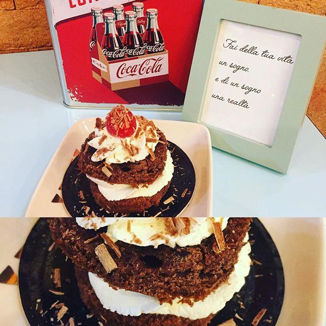 IlBuongiorno ️ si vede dal mattino️Super colazione con il sole e con una favolosa Foresta NeraBuon week end a tutti voi amici vi aspettiamo in store#emporiobrand #sole #weekend #handmadewithlove #sweet #cake #cocacola #lab #ladispoli #forestanera #colazionesana